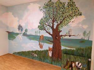 En væg malet af Kirsten Toft Bang fra ArtHeart.dk